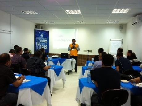 Palavra de abertura do diretor do curso, Jairo Ribeiro