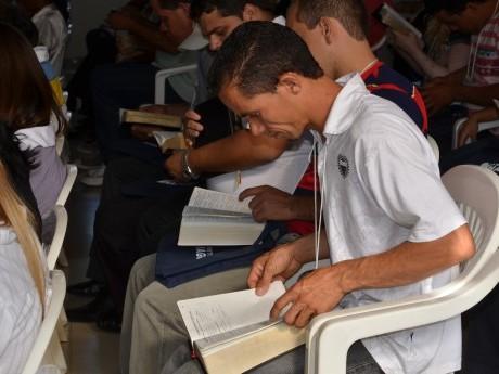 """Estudo bíblico com EB, sobre """"A maior honra de um líder"""", baseado em Ef 4:11"""