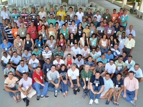 Foto oficial dos 98 participantes junto com toda a equipe da Jornada de Estudos Haggai em Ji-Paraná 2012.