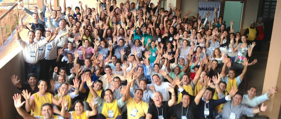 FOTO OFICIAL: Os 129 participantes da Jornada na tradicional foto da vibração.