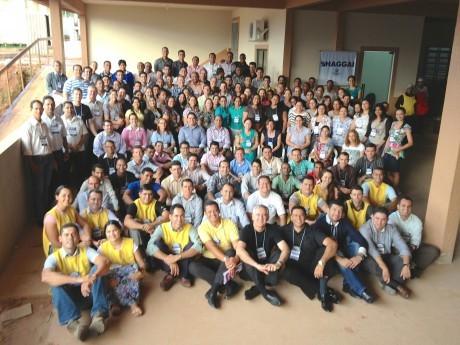 FOTO OFICIAL: Os 129 participantes da Jornada com Pr. Sadraque e esposa Dinah ao centro.
