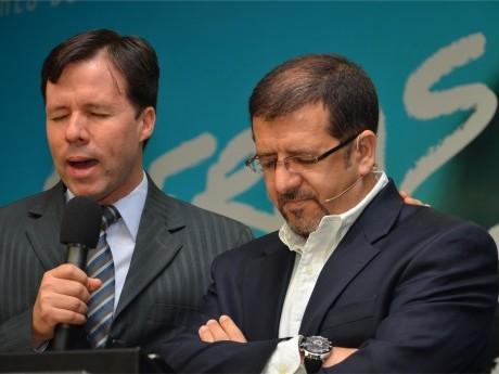 Elias Souza ora por Ricardo Agreste