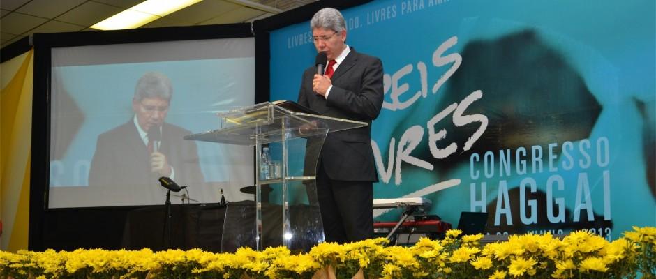 """Hernandes Dias Lopes traz a mensagem """"Jesus, o Libertador"""""""