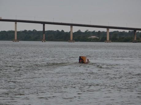 Ponte sobre o Rio Moju.