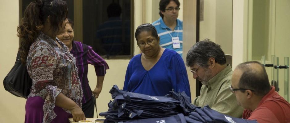 Recebendo os participantes em Macapá