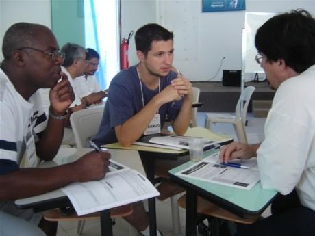 Participantes em um Seminário Local em São Paulo