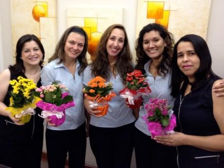 Ana Ruth, Priscila, Kellyn, Adenice e Maeli do escritório do Haggai em Campinas